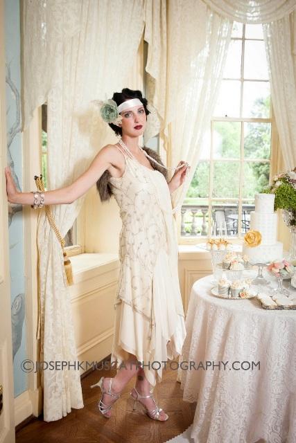 Model Robyn Francis - Fresh Print