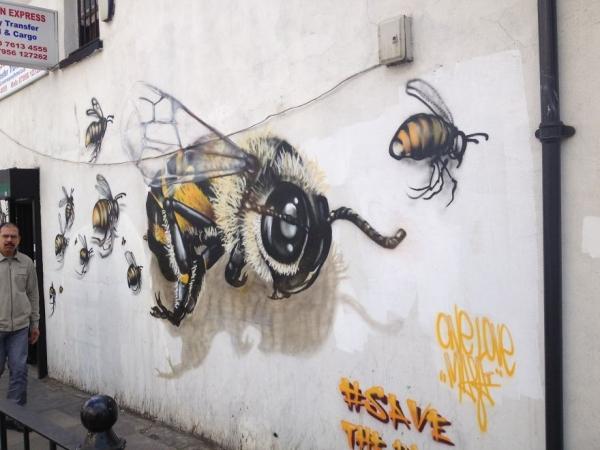 7_Honey-Bee-Graffiti